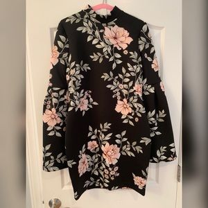 Guess bell-sleeve floral dress size L